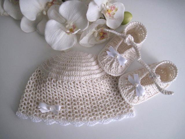 9333c5a5564 Set coordinato color crema cappellino+scarpine neonata neonato unisex cotone  cerimonia nascita battesimo all'