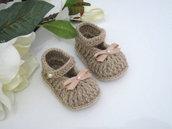 Scarpine scarpette neonata neonato beige fatte a mano lana idea regalo corredino nascita battesimo cerimonia  uncinetto handmade crochet