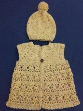 Completino 0-3 mesi gilet e cappellino lavorazione a maglia ferri e uncinetto