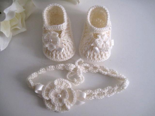 Set coordinato neonata scarpine fascetta per capelli color panna fatto a  mano idea regalo nascita cerimonia 228536f7840