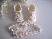 Set coordinato neonata scarpine fascetta per capelli color panna / fiocco rosa fatto a mano idea regalo nascita cerimonia battesimo lana raso handmade crochet uncinetto