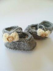 Scarpine bambina in pura lana con fiocco panna