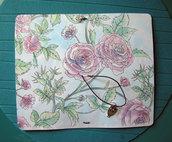 midori, disegnata e realizzata a mano, travel notebook, agenda da viaggio - rose - fiori