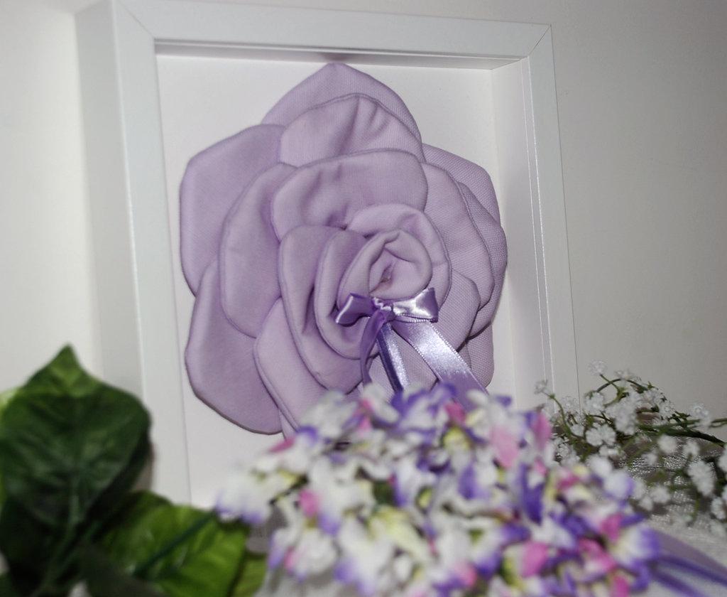 Cuscino porta fedi a forma di rosa color lilla