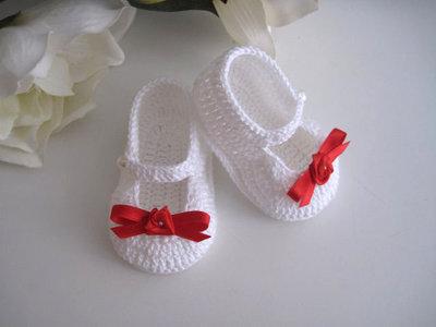 Scarpine scarpette bianche / rose rosse neonata fatte a mano cotone idea regalo corredino nascita battesimo cerimonia handmade uncinetto crochet