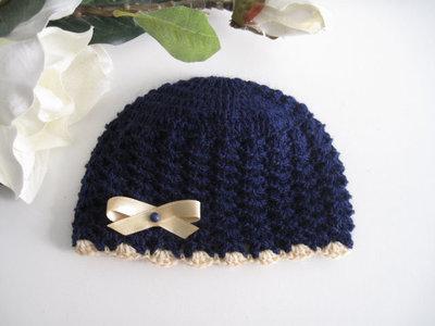 Cappellino blu notte/fiocco beige neonato unisex fatto a mano corredino nascita idea regalo lana handmade uncinetto