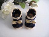 Scarpine stivaletti blu notte/fiocco beige neonato unisex fatte a mano idea regalo corredino nascita battesimo handmade lana uncinetto