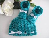 Set coordinato neonato neonata unisex cappellino scarpine verde smeraldo fatto a mano handmade idea regalo corredino nascita battesimo lana mohair uncinetto