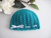Cappellino neonato neonata unisex verde smeraldo fatto a mano handmade idea regalo corredino nascita lana mohair uncinetto