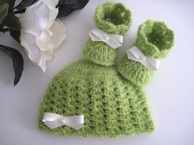 Set coordinato neonato neonata unisex verde legnano cappellino scarpine fatto a mano handmade idea regalo corredino nascita battesimo lana uncinetto