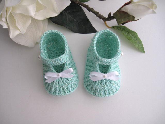Scarpine neonato unisex acquamarina fatte a mano cotone idea regalo corredino nascita battesimo cerimonia uncinetto