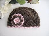 Cappellino neonata cioccolato / fiore rosa fatto a mano nascita corredino uncinetto