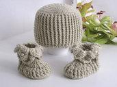 Set coordinato cappellino + scarpine neonato unisex fatto a mano nascita lana uncinetto