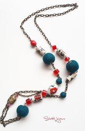 collana con perle in ceramica dipinte a mano e lana cotta