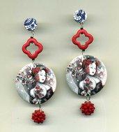 Grandi ORECCHINI pendenti in madreperla con Geisha