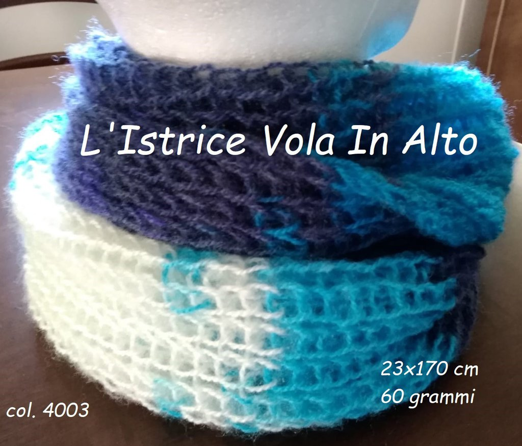 Sciarpa in misto mohair lavorata a mano a telaietto (knitting loom)