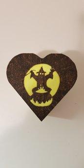Scatola cuore portaoggetti portagioie pirografata e dipinta a mano. Halloween