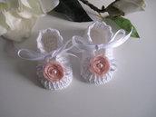 Scarpine bianche/fiore rosa tenue neonata battesimo cerimonia nascita idea regalo fatte a mano uncinetto