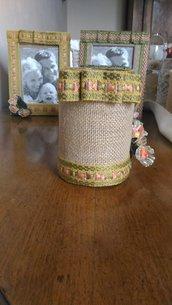 Barattolo decorazione vintage con juta passamaneria e fiorellini stoffa