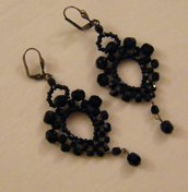 orecchini in mezzo cristallo da 3, 4 e 6 mm.