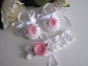 Set scarpine+fascetta capelli bianco/fiore rosa neonata uncinetto