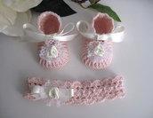 Scarpine fascetta neonata uncinetto battesimo nascita cerimonia rosa cipria fiore avorio