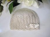 Cappellino crema neonata uncinetto