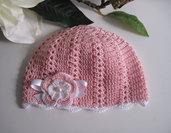 Cappellino rosa neonata all'uncinetto
