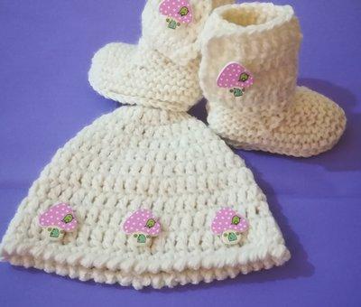 Cappellino e scarpette NEONATO  uncinetto