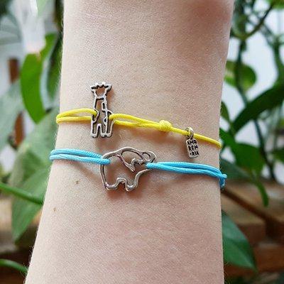 Bracciale di corda con pendente charm in argento Elefante, fatto a mano