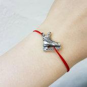 Bracciale di corda con pendente charm in argento Pattini da ghiaccio, fatto a mano