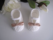 Scarpine bianco/panna neonata uncinetto
