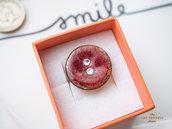 Anello handmade regolabile con bottone in ceramica e strass