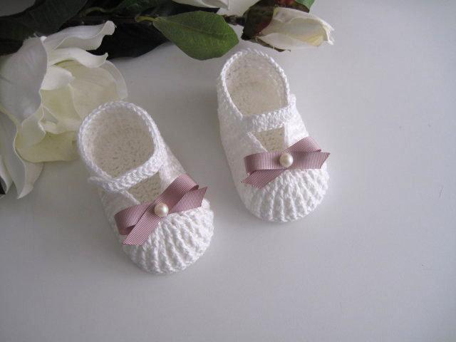 Scarpine neonata uncinetto battesimo cerimonia nascita cotone panna fiocco rosa antico