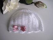 Cappellino bianco/fiocco rosa antico