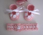 Set rosa/bianco scarpine + fascia uncinetto