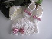 Set coordinato cappello + scarpine neonata cotone panna / rosa antico uncinetto