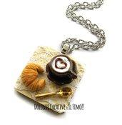 Collana Vassoio con caffè e cornetto - croissant - miniature - idea regalo - handmade kawaii in fimo e cernit