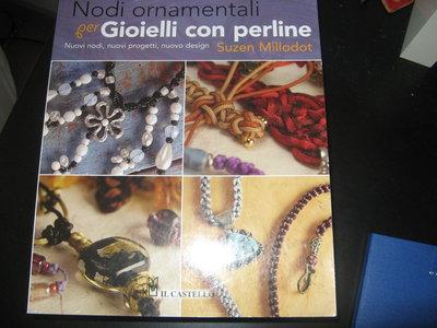 Libro: nodi ornamentali per gioielli con perline