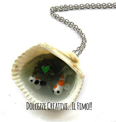 Collana Conchiglia - Laghetto con carpe koi colorate e foglie - miniature idea regalo handmade