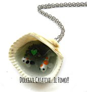 Collana Conchiglia - Laghetto con carpe koi colorate e foglie - miniature idea regalo handmade