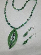 Collana verde striatacon orecchini