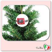 Pallina bianca decorata con paillettes per l'albero di Natale