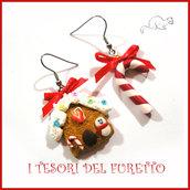 """Orecchini Natale """" Gingerbread casetta marzapane bastoncino di zucchero """" omino di pan di zenzero pan di zenzero fimo cernit premo idea regalo bambina personalizzabile con clip"""