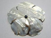 ciondolo+spilla fiore madreperla