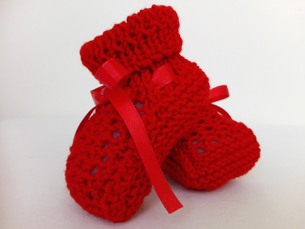 Set cappelino+scarpine colore rosso, lana100% merino, handmade