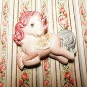 Pony in ceramica