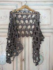 Sciarpa stola a uncinetto in lana grossa coprispalle color tortora maxi sciarpa
