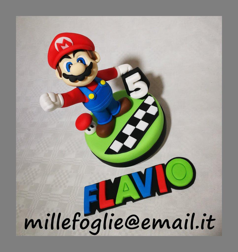 Decorazione torta Super Mario in pasta di zucchero