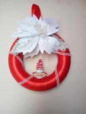Ghirlanda natalizia rossa con stella di natale